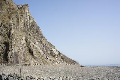 柱状節理の岩肌
