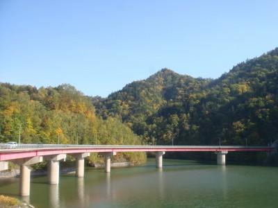 展望台より橋を眺める