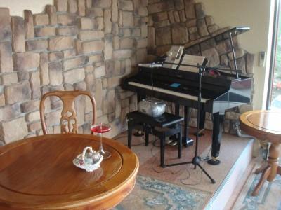 グランドピアノも
